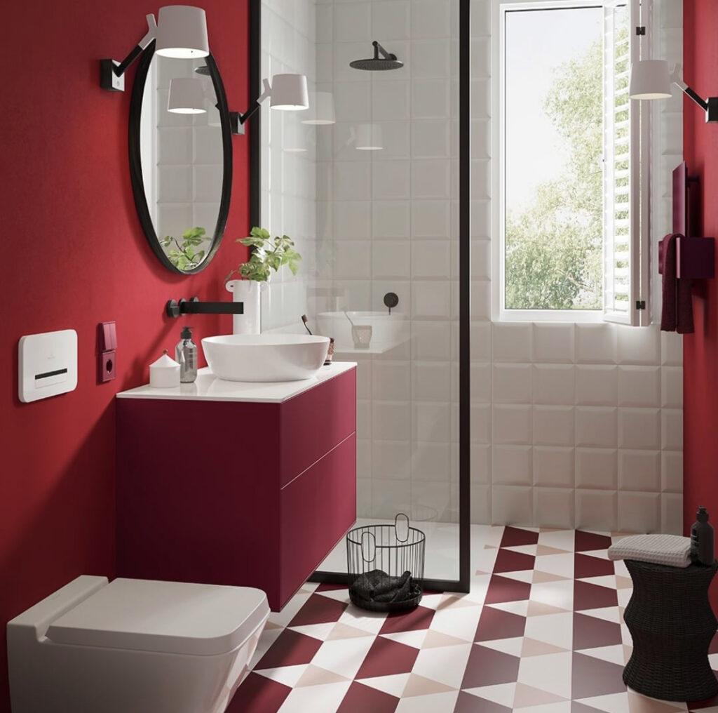 Rotes Badezimmer
